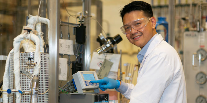 From carbon dioxide to sustainable fuel energy