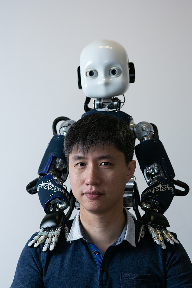 A*STAR Dr Wu Yan with his robot