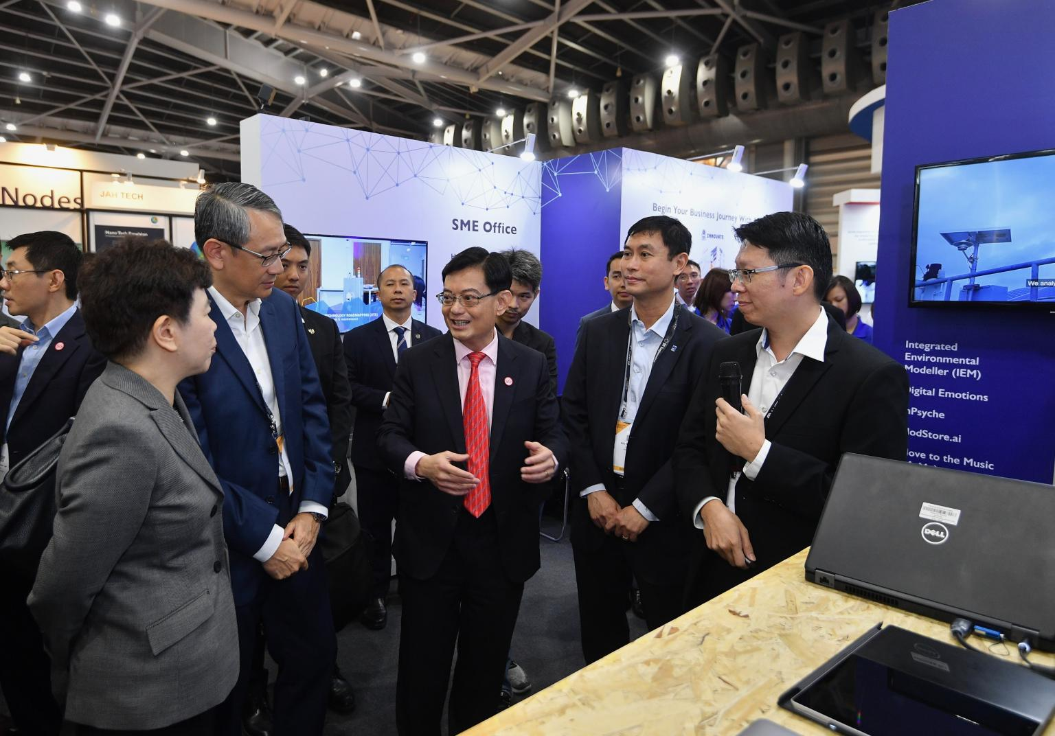 DPM Heng Swee Kiat visiting at SWITCH